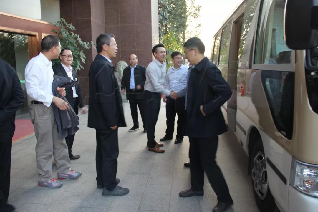 """中国工程院罗锡文院士带领长江学者、教授、专家团队,加快推进""""产学研""""项目发展"""